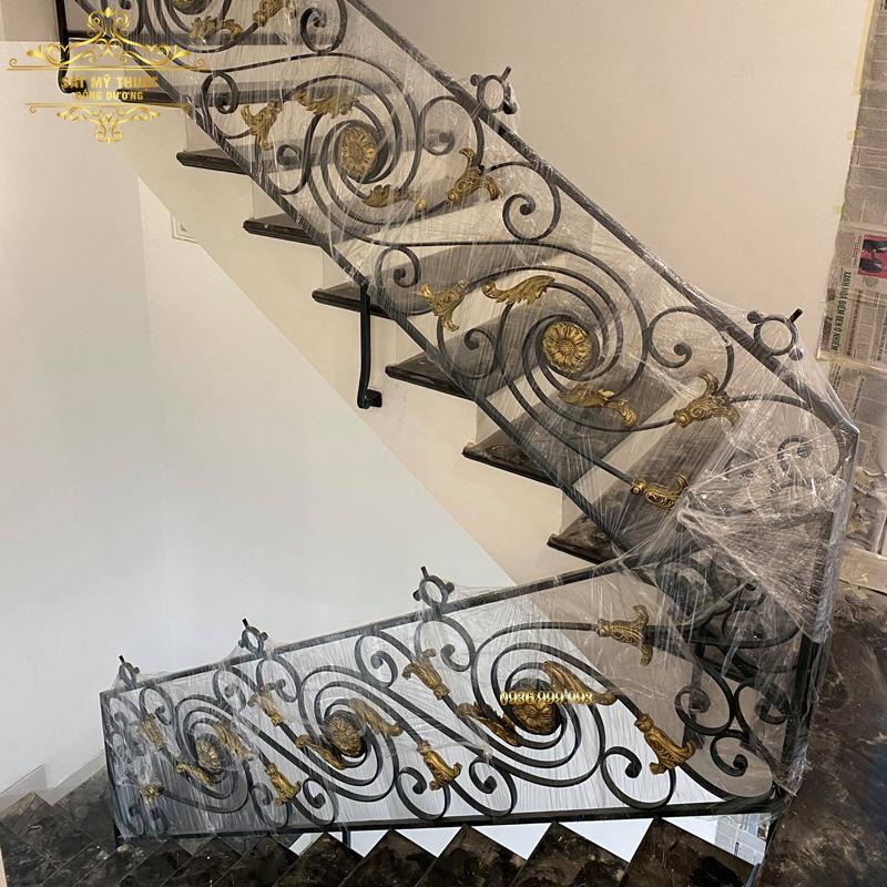 Cầu thang sắt nghệ thuật – CT19003
