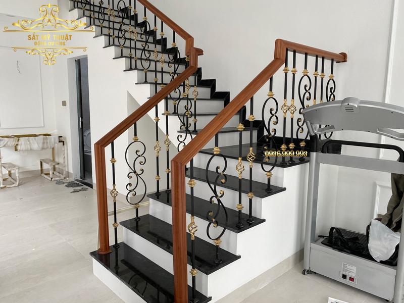 Cầu thang sắt nghệ thuật – CT19005