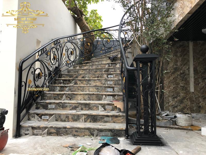 Cầu thang sắt nghệ thuật – CT19007