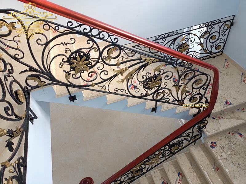 Cầu thang sắt nghệ thuật – CT19014