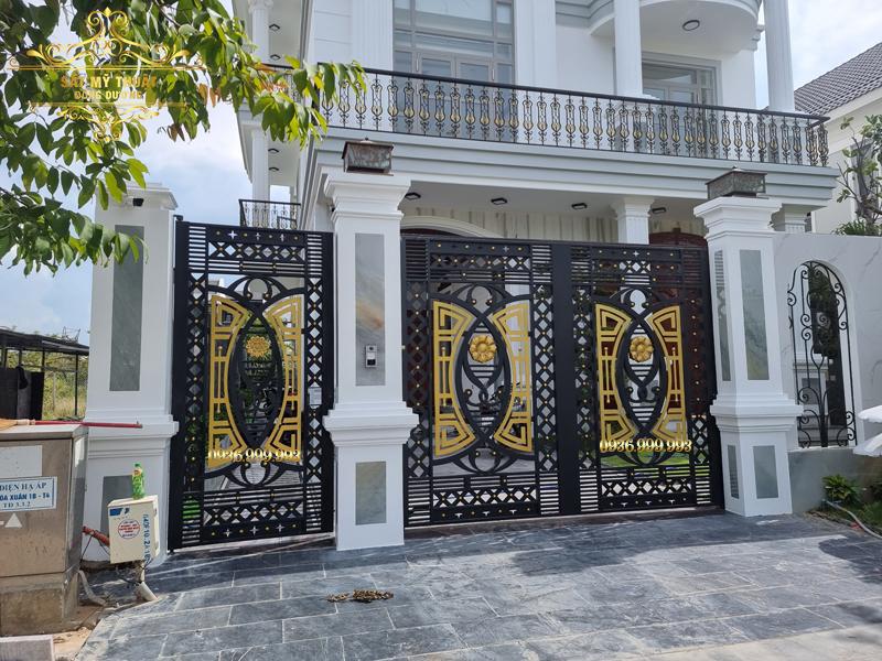 Cửa cổng sắt mỹ thuật – CS19023