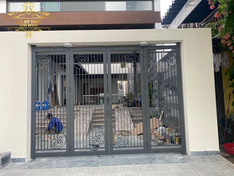 Cửa cổng sắt mỹ thuật – CS19028