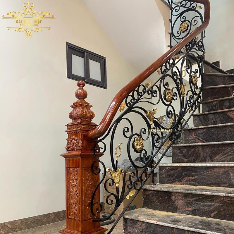 Cầu thang sắt nghệ thuật – CT19027