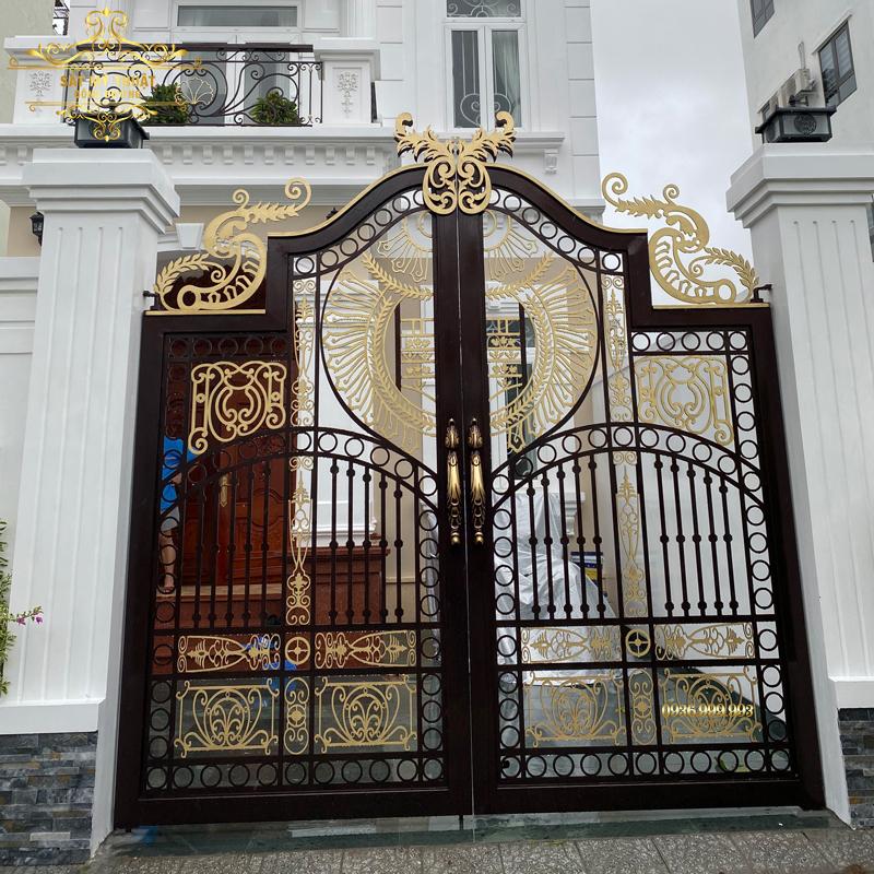 Cửa cổng sắt mỹ thuật – CS19052