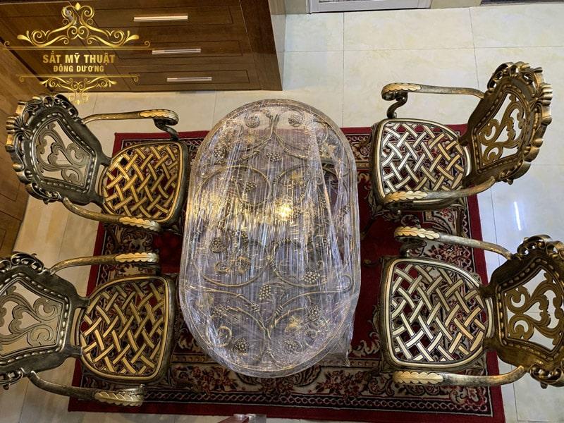 Bàn ghế sắt mỹ thuật Đà Nẵng