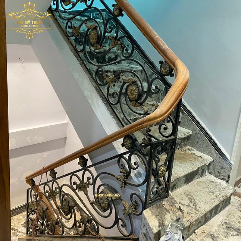 Cầu thang sắt nghệ thuật - CT19033
