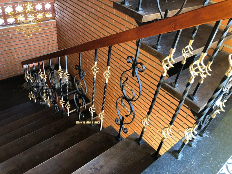 Cầu thang sắt nghệ thuật - CT19034